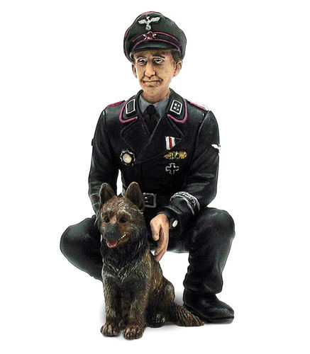 "Torro 1:16 Figures Series Figure Colonel ""Oberst Otto Paetsch"" with dog"