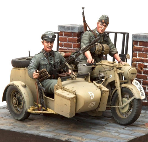 SOL 1/16 Scale Kit Motorcycle Zündapp KS-750 Set with sidecar & troopers